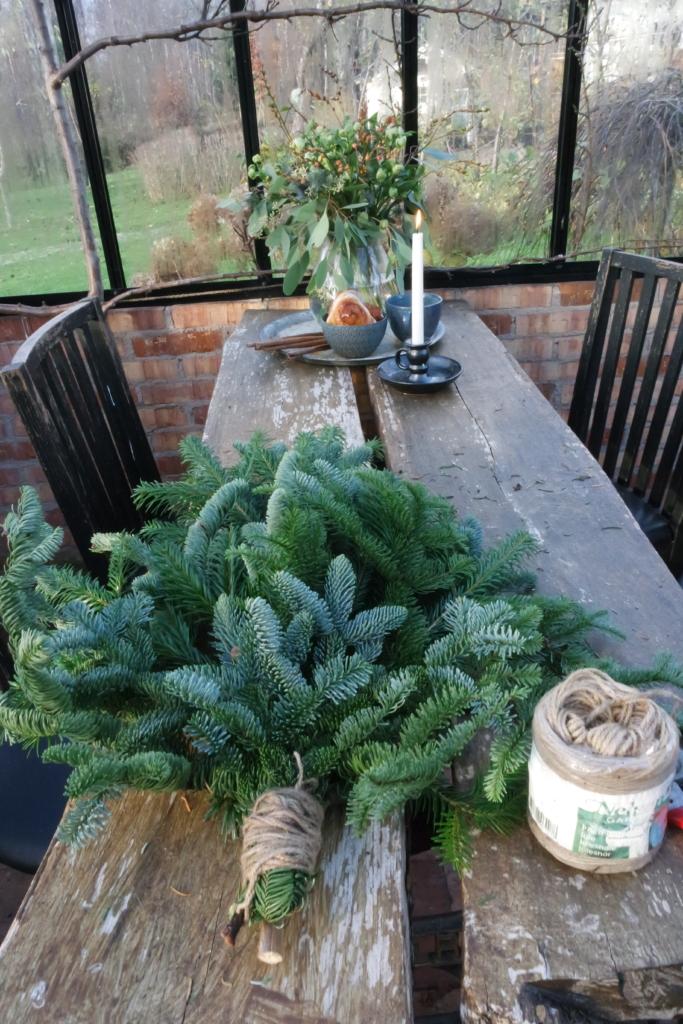 juletredekorasjon til ytterdøren